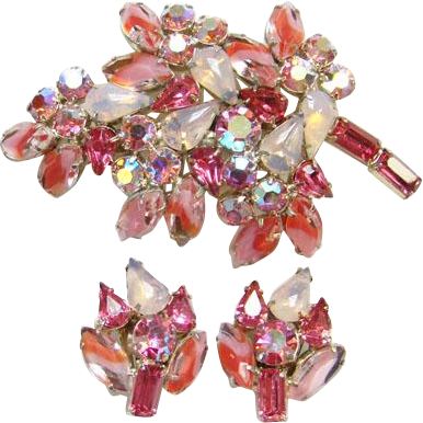 Pink Givre Rhinestone Brooch Pin Earrings Set Stylized Leaf Design Costume Jewelry