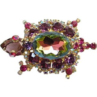 1968 Juliana Verified Watermelon Heliotrope Rhinestone Figural Turtle Brooch DeLizza Elster
