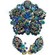 1965 Juliana Brooch Earrings Set Blue Rhinestone Engraved Flower Ovals D&E DeLizza Elster