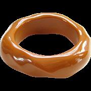 Vintage Butterscotch Caramel Lucite Plastic Twist Bangle Bracelet