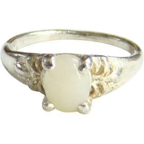 Vintage Old 12K Gold Ring with White Quartz Stone Size 7.75
