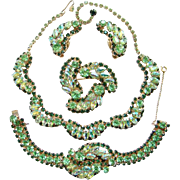 Emerald Green Vintage Rhinestone Grand Parure Set Necklace Earrings Bracelet Earrings Unsigned Beaut