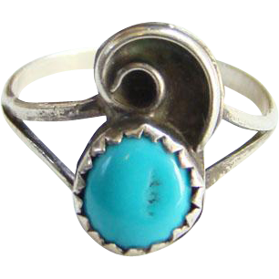 Southwestern Turquoise Ring Sterling Silver Petite Size 6 Native American