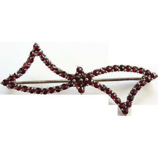 Antique Victorian Rose Cut Red Bohemian Garnet Bow Pin Brooch Gold Filled