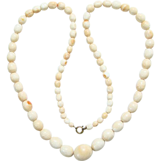 Vintage Light Coral Graduated Bead Necklace 24 Inch