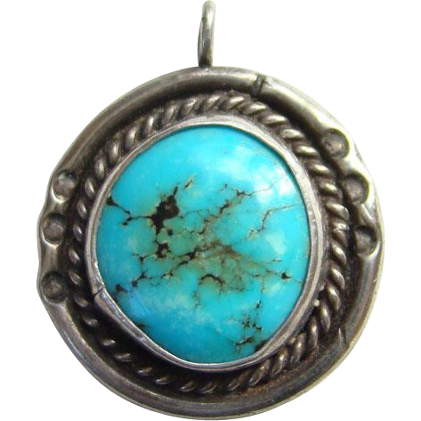 Vintage Southwestern Native American Necklace Pendant Turquoise Sterling Silver Gorgeous Stone