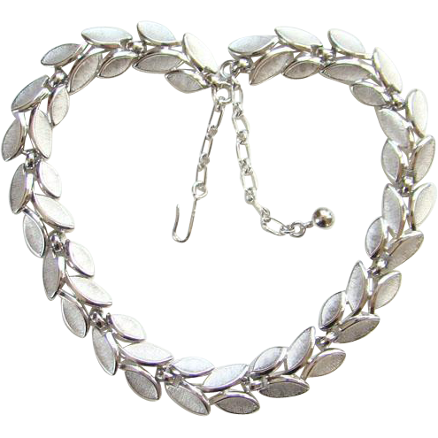 Vintage 1950s Trifari Silvertone Link Choker Necklace Stylized leaf Rhodium Plated