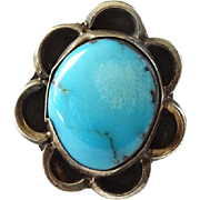 Vintage Native American Navajo Turquoise and Sterling Silver Ring Size 5.75 Beautiful Stone