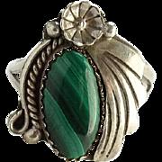 Vintage Native American Navajo Green Malachite Ring Size 7.75 Sterling Silver
