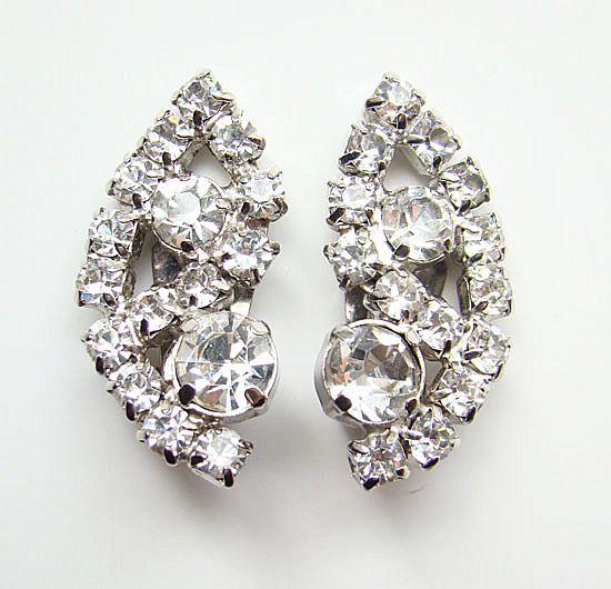 Superb Vintage Clear Rhinestone Climber Clip Earrings