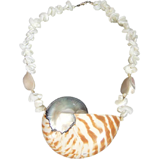 Bold Chambered Nautilus Vintage Sea Shell Necklace.  1980's.