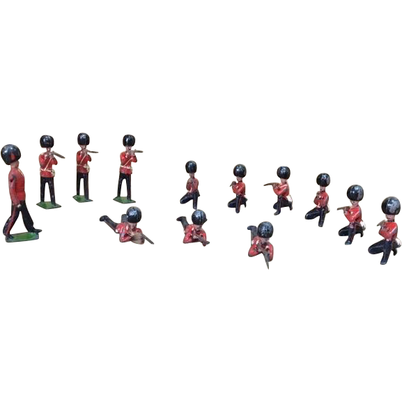 Collection of 13 Britains Ltd Miniature British Soldier Figures