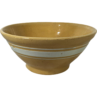 1930 American Yellow Ware Bowl
