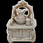 C.1900 Fairing Trinket Box