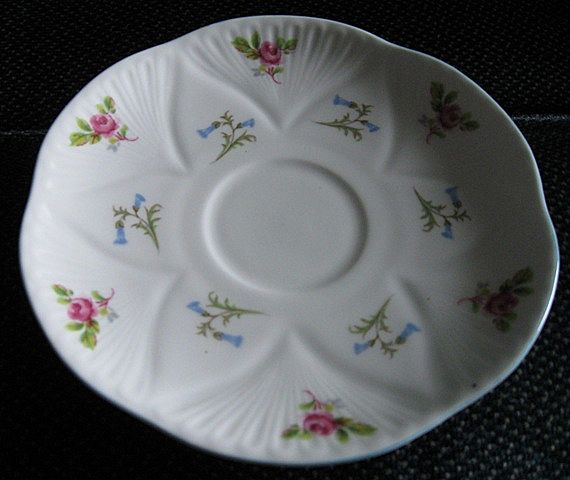 Shelley Pattern 2303 Hulmes Roses and Bluebells Orphan Saucer