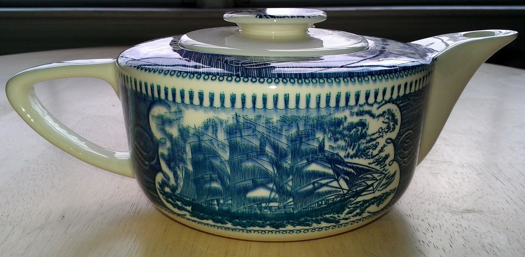 Royal China Currier & Ives Teapot & Lid Blue Pattern