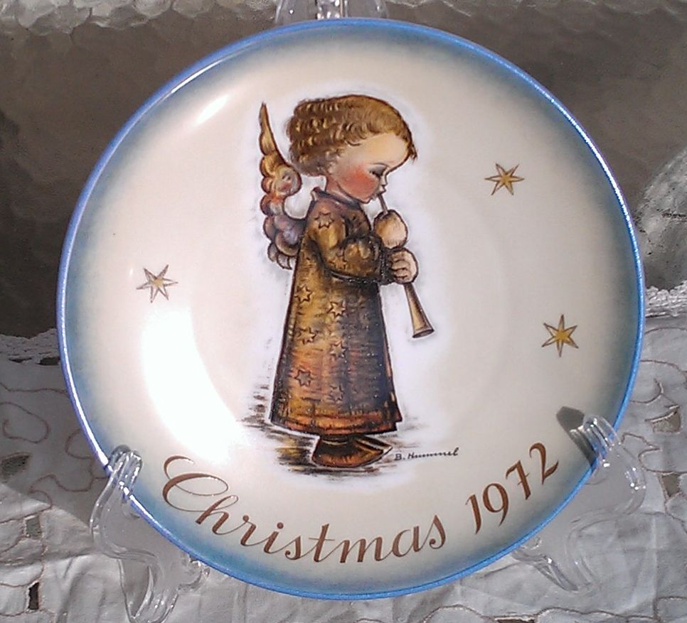 Hummel 1972 Christmas Angel with Flute Plate