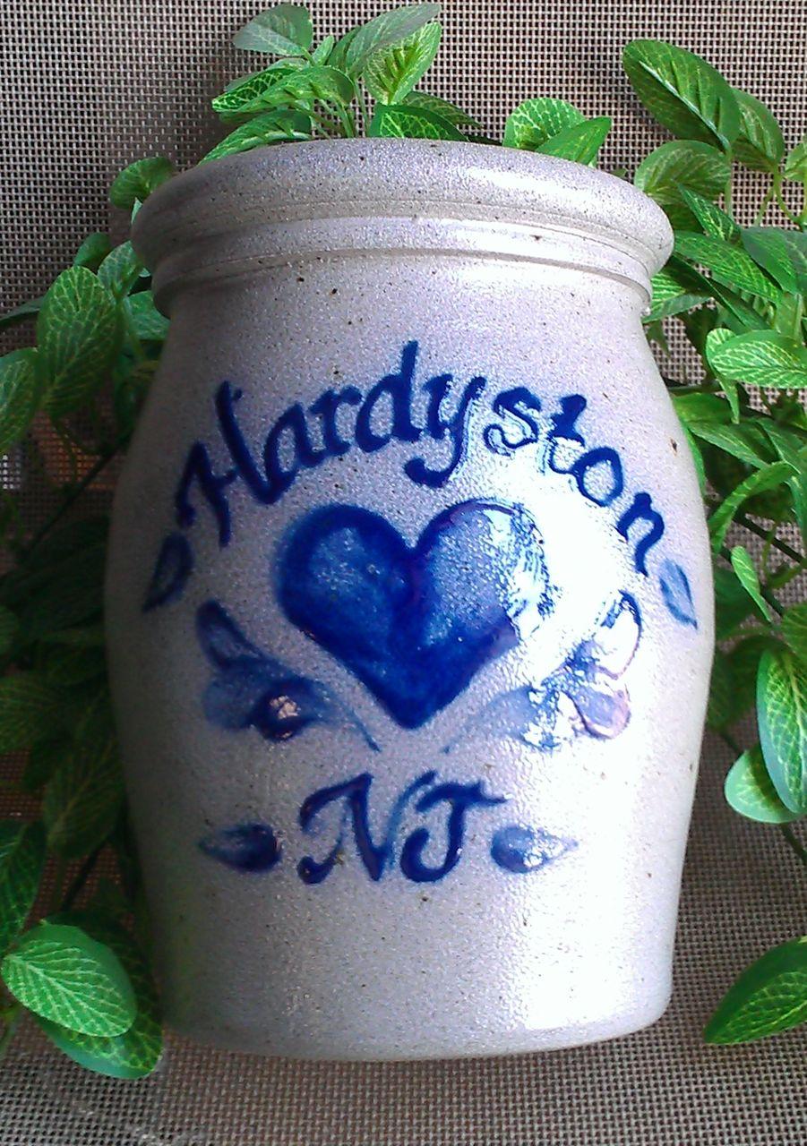 Rowe Pottery Works Utensil Jar Hardystone NJ Heart Pattern