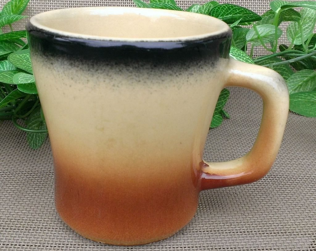 Watt Pottery Esmond Tri-Color Coffee Mug #31