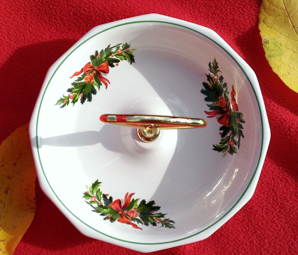 "Pfaltzgraf Christmas Heritage 7"" Handled Candy Dish"