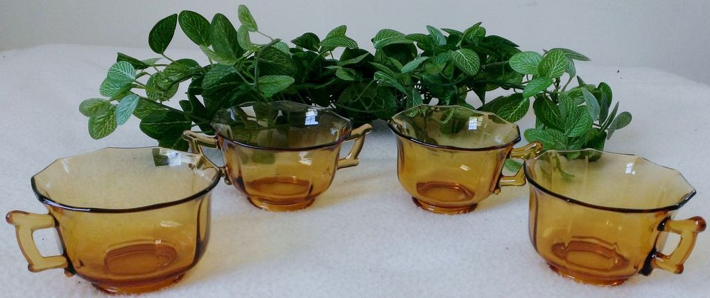Cambridge Decagon Amber Glass Set