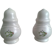 Pfaltzgraff Christmas Heirloom Salt & Pepper Set