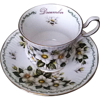 Rosina Queens December Christmas Rose Teacup & Saucer