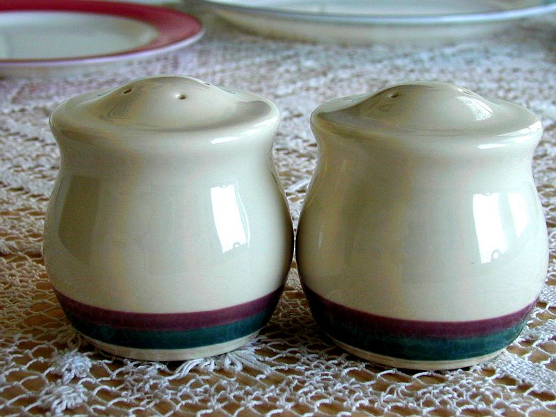 Pfaltzgraff Juniper Salt & Pepper Shakers