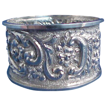 Excellent English Repousse Sterling Silver Napkin Ring Birmingham 1907