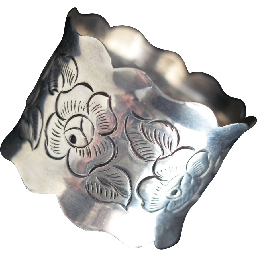 Mexican Scalloped Sterling silver Napkin ring with Roses