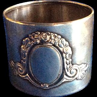 German 800 Silver Flower Garland Napkin Ring Serviette Holder