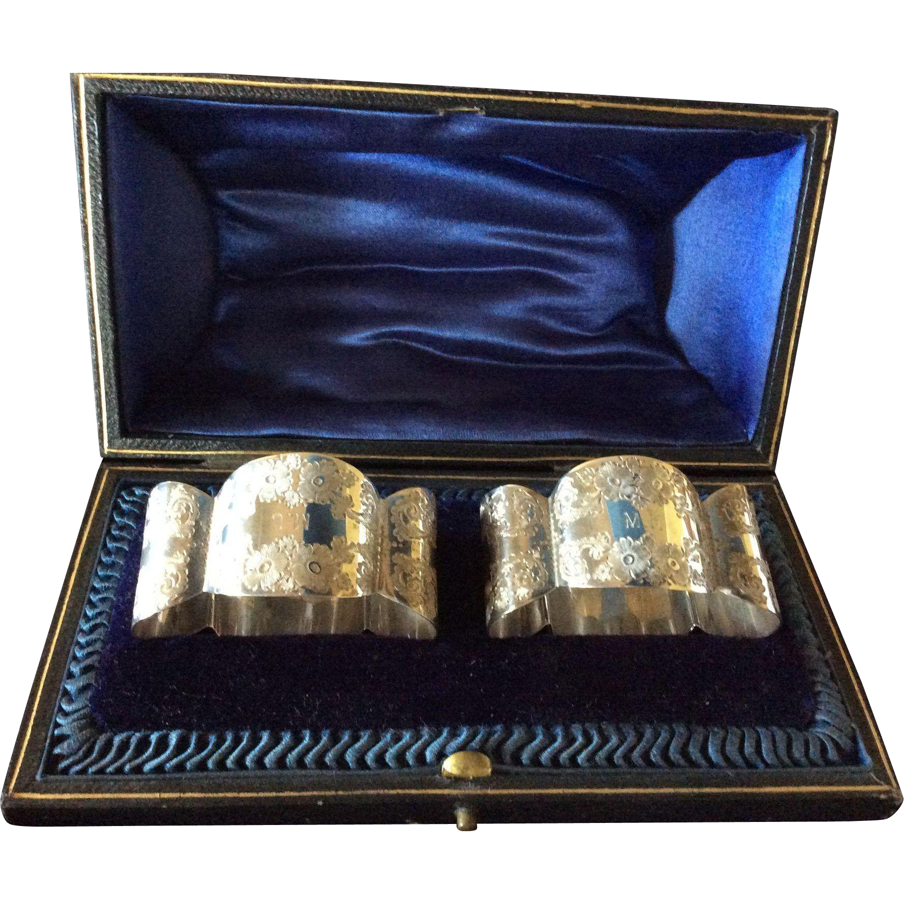 Boxed pair Ornate English Sterling silver Napkin Rings Serviette Holders