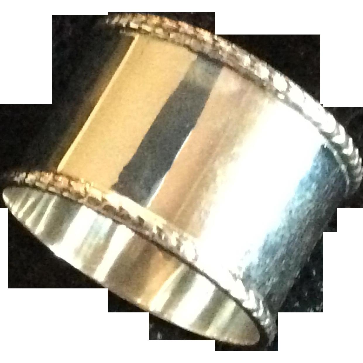 Elegant English Sterling silver Napkin Ring Or Serviette Holder