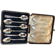 Boxed set of 6 English Art Deco style  Sterling silver Spoons