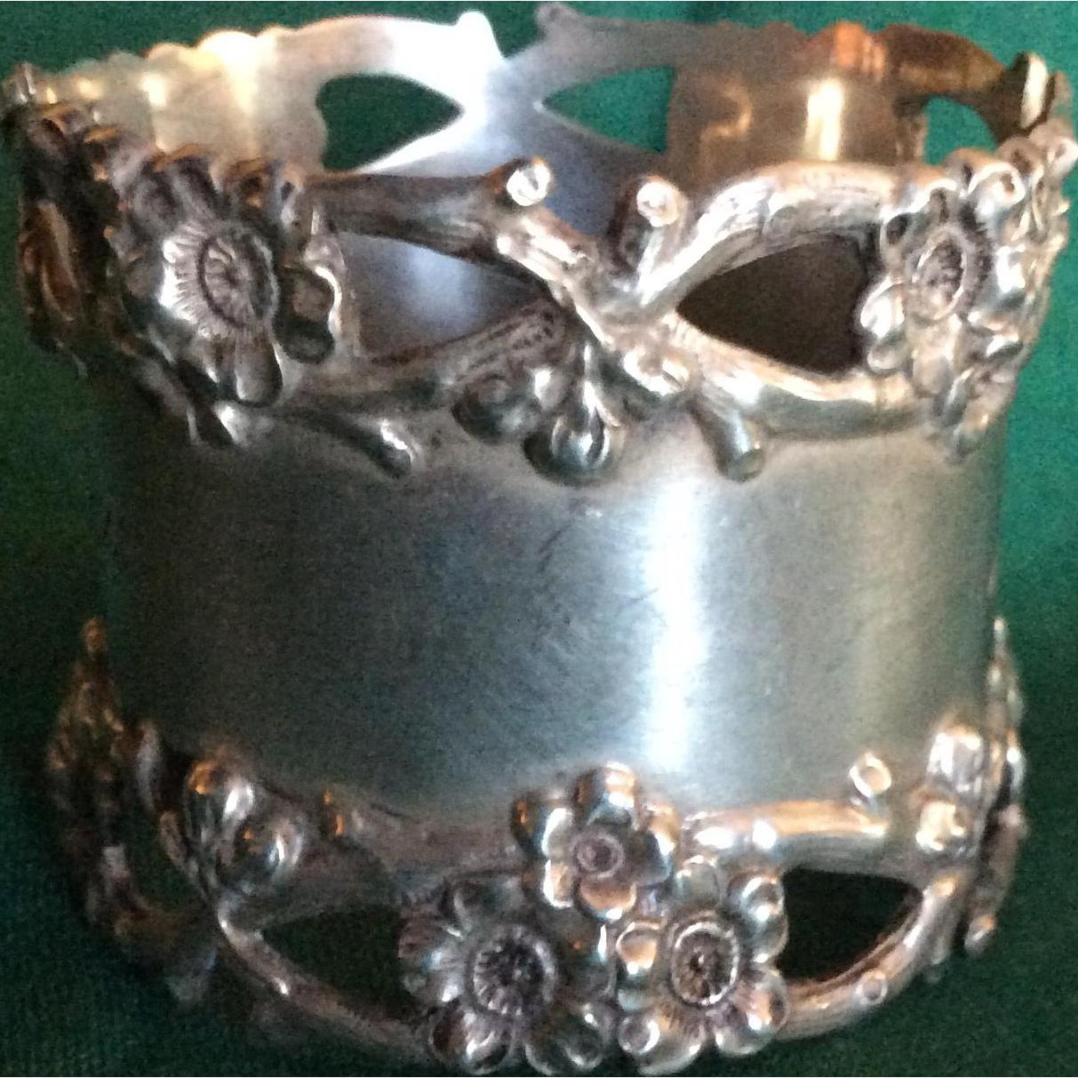 Gorgeous Cherry Blossom Sterling silver Napkin Ring Serviette Holder