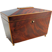 Wooden Tea Caddy Mahogany Walnut String Inlay Escutcheon Lock Sarcophagus Antique circa 1810s