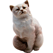 Royal Doulton Persian Cat Figurine HN2539 White Artist Signed Vintage Made in England