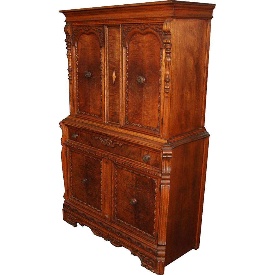 7539 19th C.  Oak Cabinet