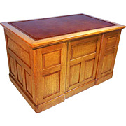 844 American Oak Desk with Leather Top