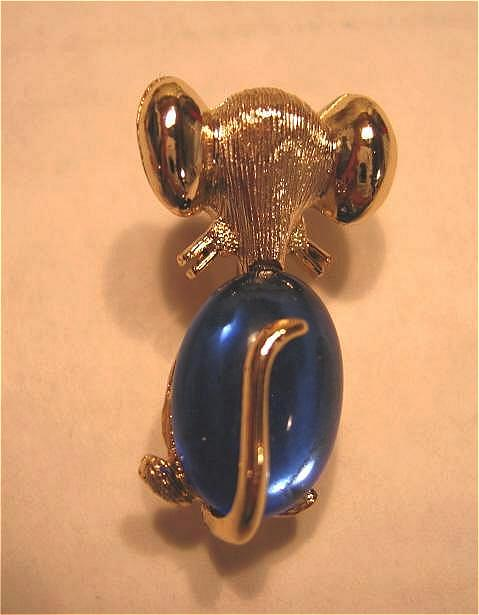 J.J. Jelly Belly Style Rear View Mouse Pin