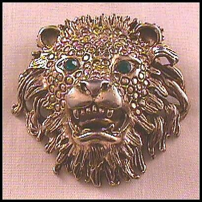 Impressive Lion Pin