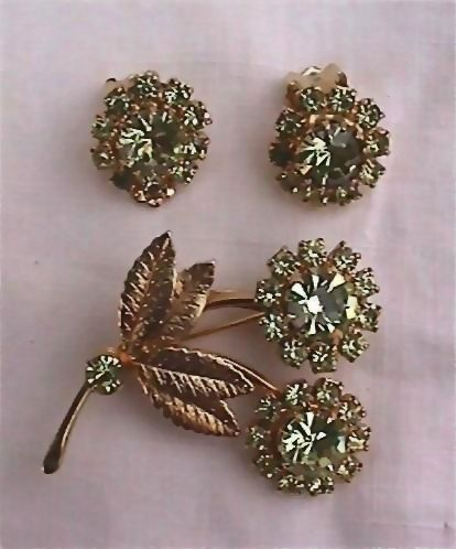Rhinestone Flower Pin Brooch and Earring Set Citroen Colored Rhinestones
