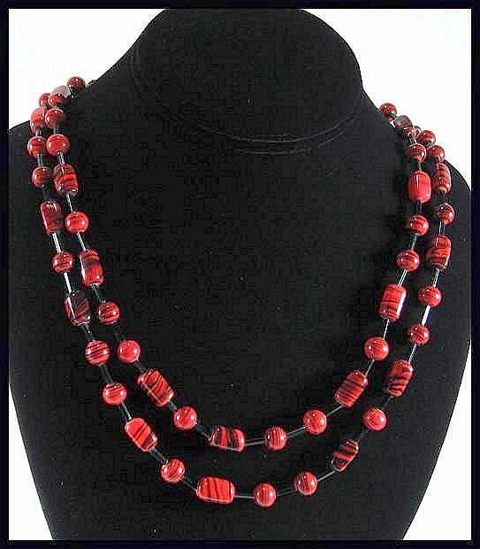 Truly Striking Red and Black Flapper Style Necklace with Glass Beads****