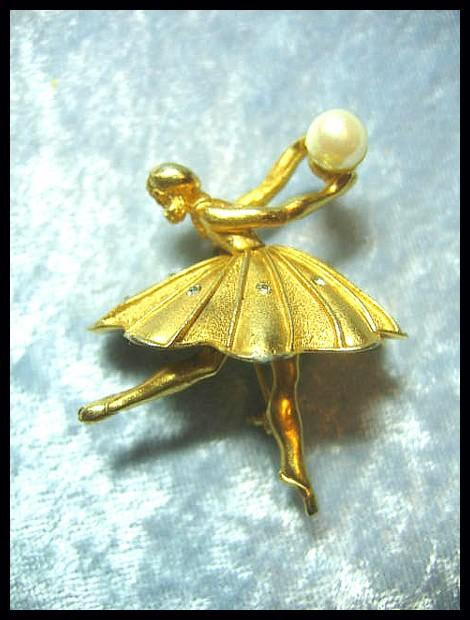 Lovely Dimensional Ballerina Pin