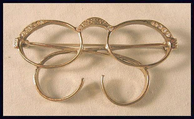 Pair of Glasses Pin