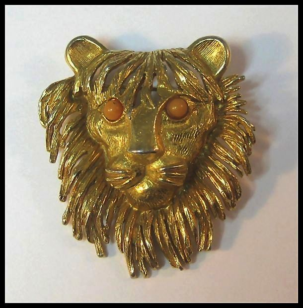 Fancy Florenze Lion's Head Pin