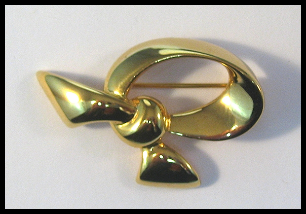 Napier Bow Pin