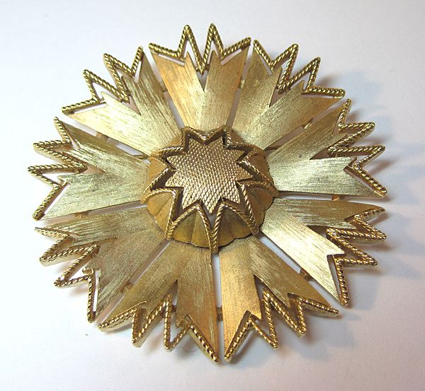 Trifari Large Starburst Pin