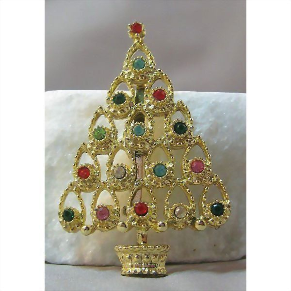 Lovely Christmas Tree Pin
