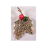 Christmas Pin - Leafs with Berries